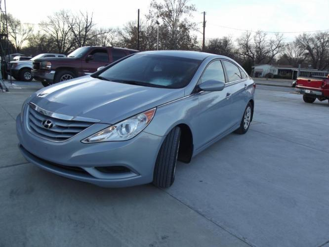 2011 GRAY HYUNDAI SONATA GLS (5NPEB4ACXBH) with an 2.4L engine, Automatic transmission, located at 3145 N Beach st, Fort worth, TX, 76111, (817) 222-1289, 32.801109, -97.290657 - Photo #0