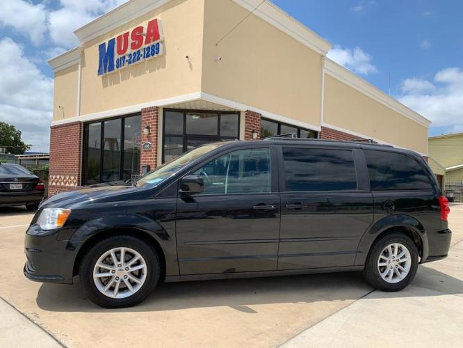 2016 Black DODGE GRAND CARAVAN SXT (2C4RDGCG2GR) with an 3.6L engine, Automatic transmission, located at 3145 N Beach st, Fort worth, TX, 76111, (817) 222-1289, 32.801109, -97.290657 - Photo #1